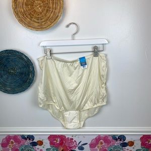 Vintage New with Tags Vanity Fair Cream Lace Side Gusset 2XL Nylon Panties